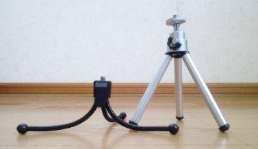 「スマホスタンド三脚タイプ」と「デジタルカメラ用三脚」の高さの比較 最も低い状態