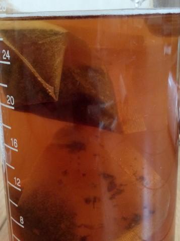お湯出しの様子(800ml、2パック、約15分)